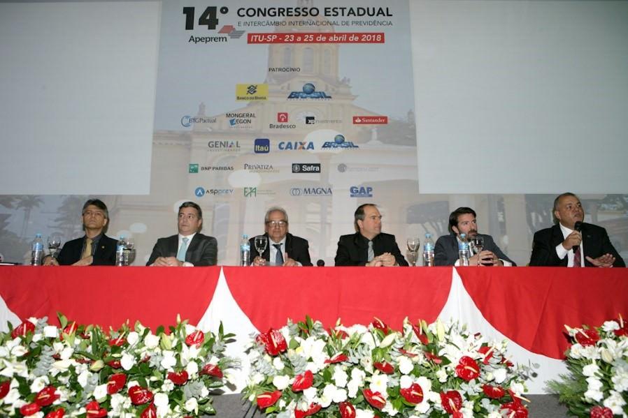 Mesa de abertura do Congresso APREPREM